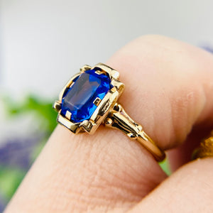 Vintage royal blue paste ring in yellow gold