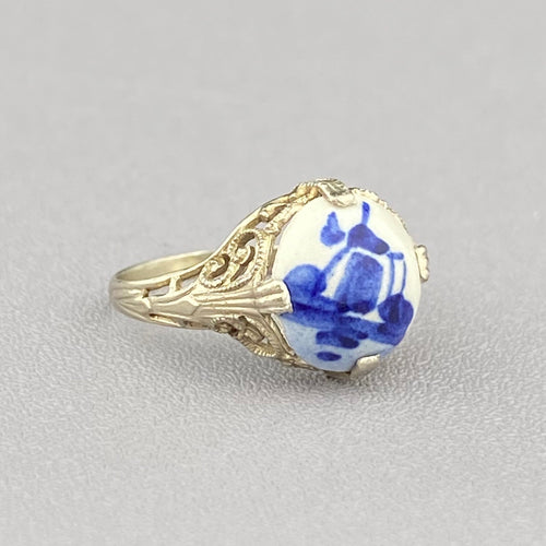 Dutch Delftware ring in 14k white gold