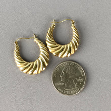 Load image into Gallery viewer, Yellow gold vintage creole earrings