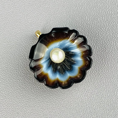Carved banded agate pendant with pearl
