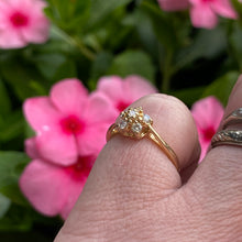 Load image into Gallery viewer, Diamond daisy ring in 14k yellow gold