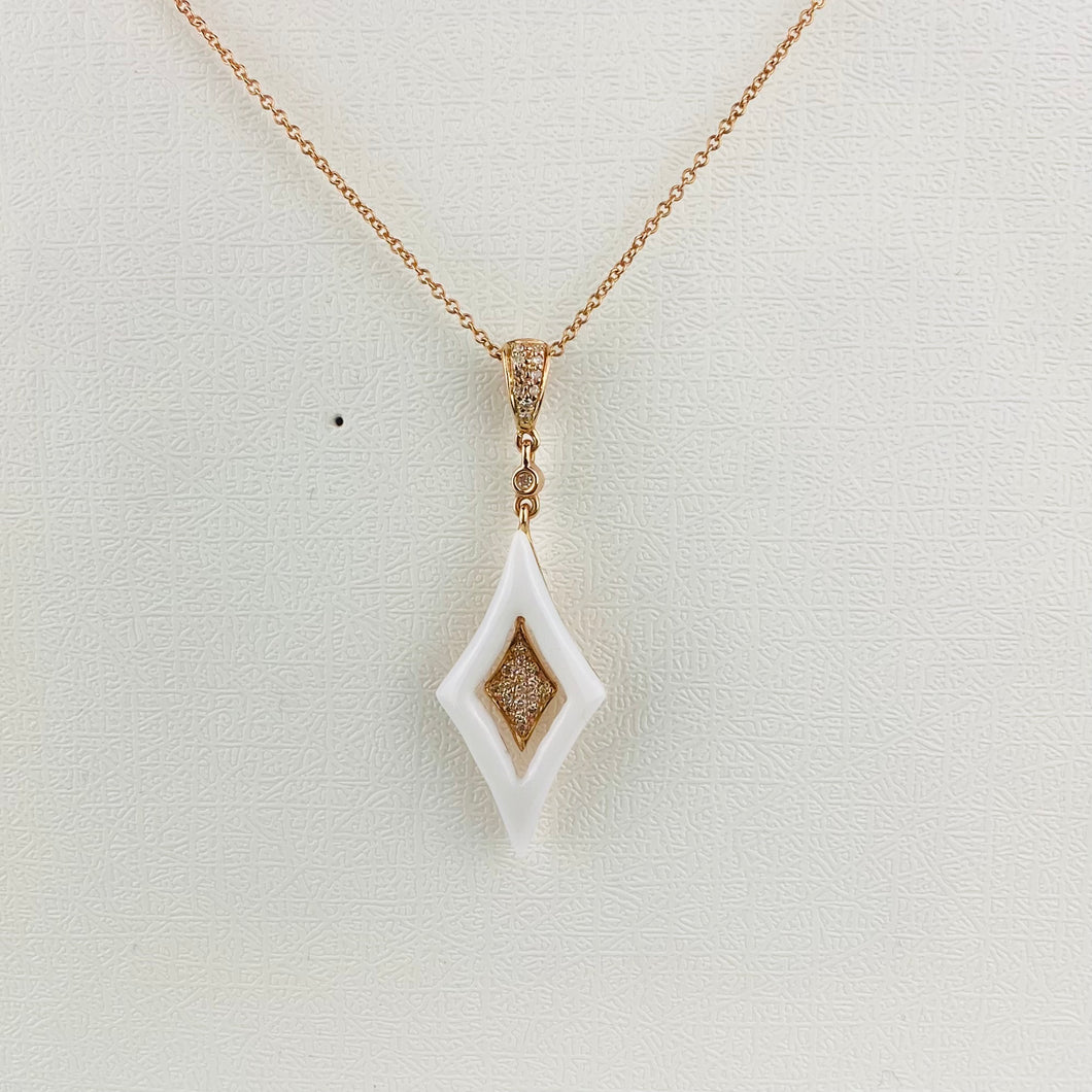 Diamond and white agate necklace in 14k rose gold