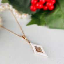 Load image into Gallery viewer, Diamond and white agate necklace in 14k rose gold