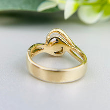 Load image into Gallery viewer, Vintage pearl ring in 14k yellow gold