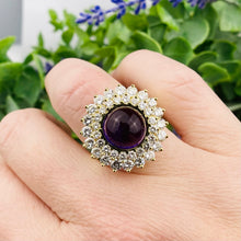 Load image into Gallery viewer, Sensational amethyst and Diamond vintage ring in 18k yellow gold