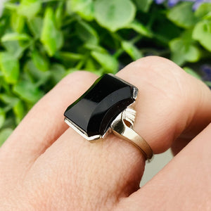 Vintage shaped onyx ring in white gold