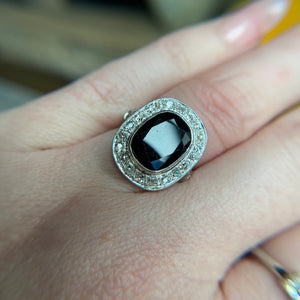 No heat sapphire and diamond ring in platinum