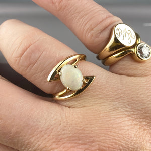 Opal ring in 10k yellow gold
