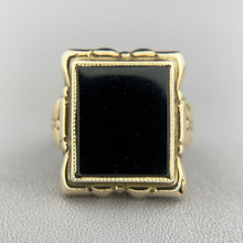 Load image into Gallery viewer, SALE!  Vintage yellow gold onyx ring