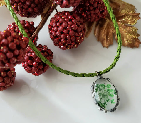 Green Queens Anne Lace Pressed Floral Pendant