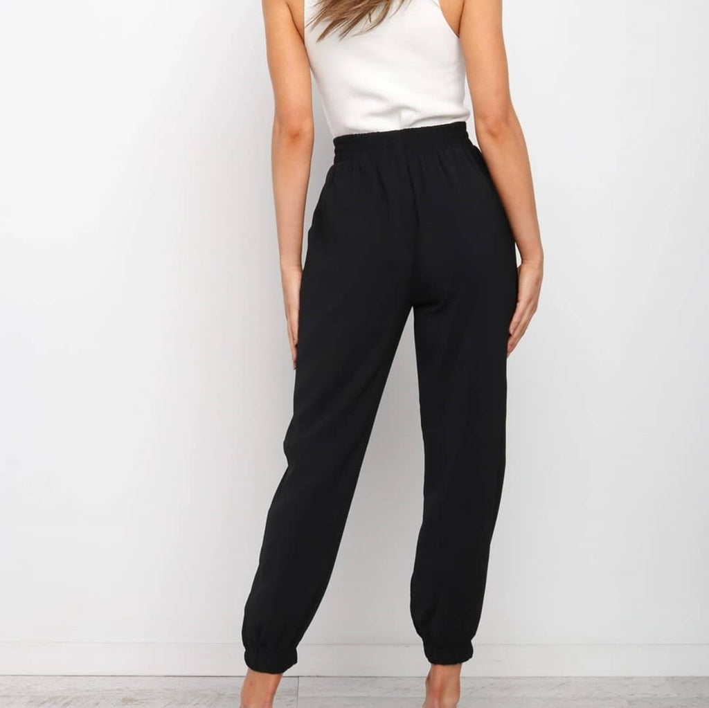 White Closet Dani Relaxed Ankle Pants - Black