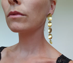 Løv øresmykke, messing // Leaves earrings in brass