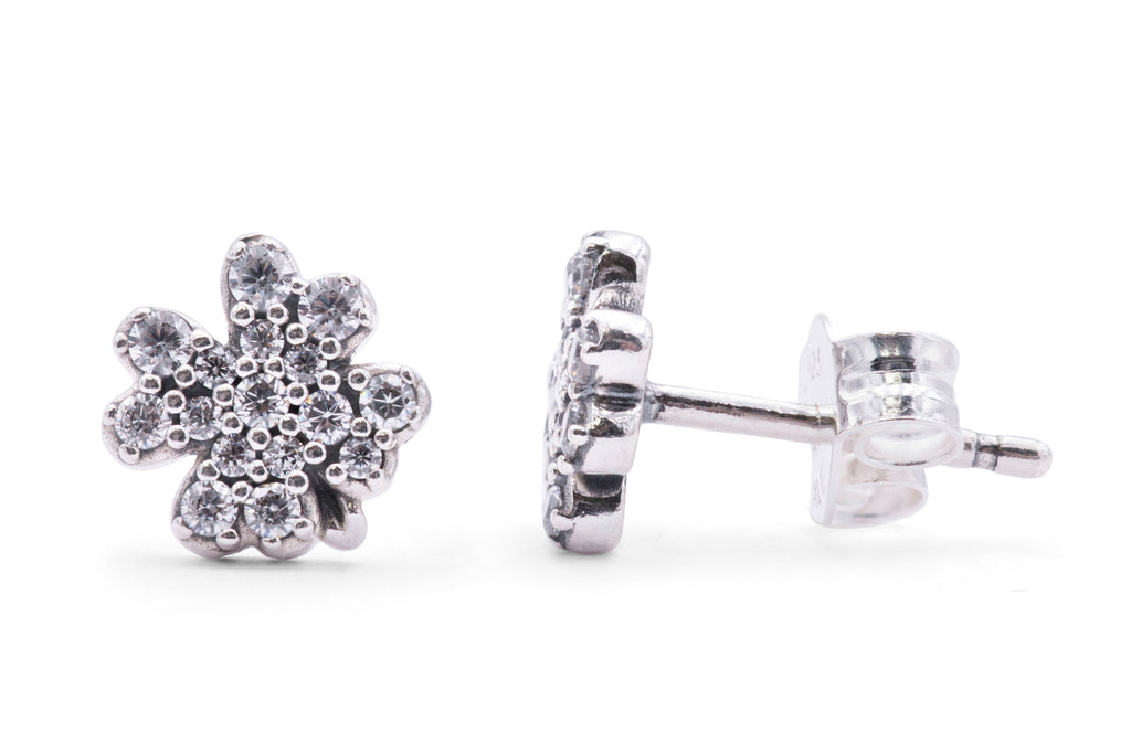 PANDORA Radiant Clover Earrings