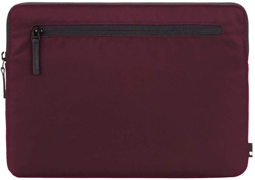 Incase - Sleeve for 15.4 Inch Apple MacBook Pro - Mulberry