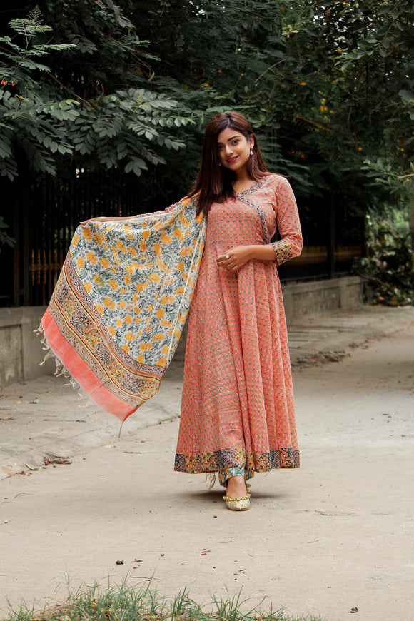 Beautiful Mogra Print Dupatta In Chanderi Silk with Beautiful Borders