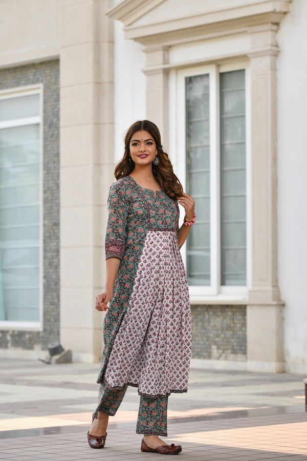 Contrast Front Gather with exquisite Borders Handblock Kurta & Palazzo