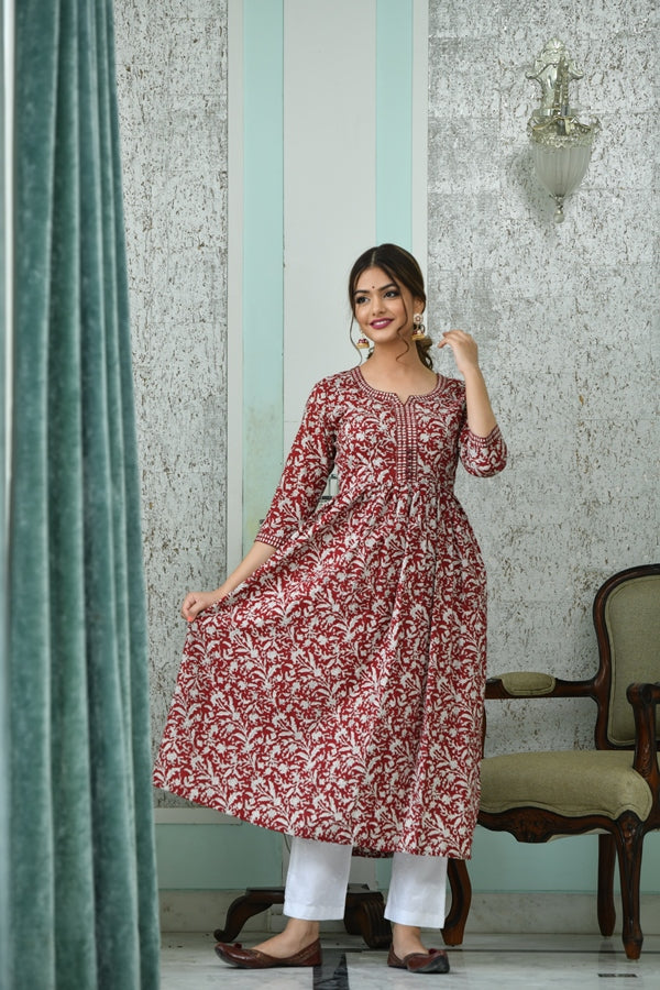 Mesmerizing Maroon Floral Handblock Kurta with Embroidered White Pants