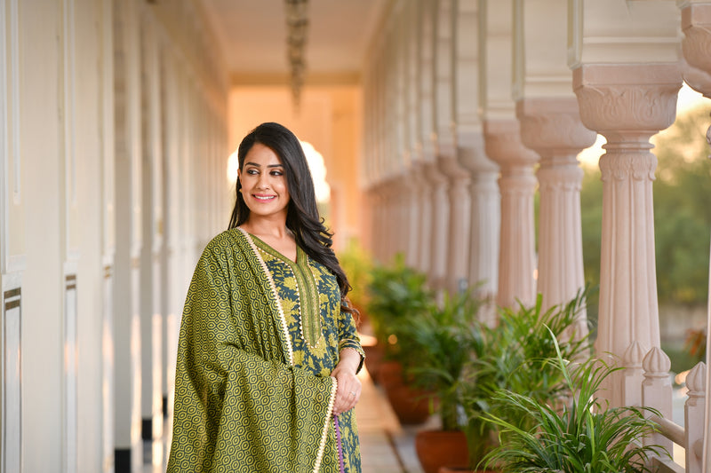 Gorgeous Green Gota work Cotton Suit Set