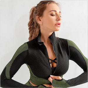 THE SIDE EYE YOGA SET