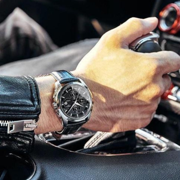 Man wearing Royal Vintage Automatic Watch on wrist