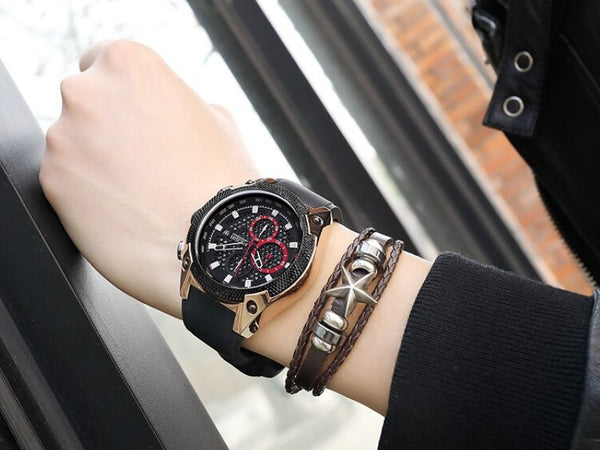 Men wearing black and rose gold Holez Mens Waterproof Sports Watch on the wrist