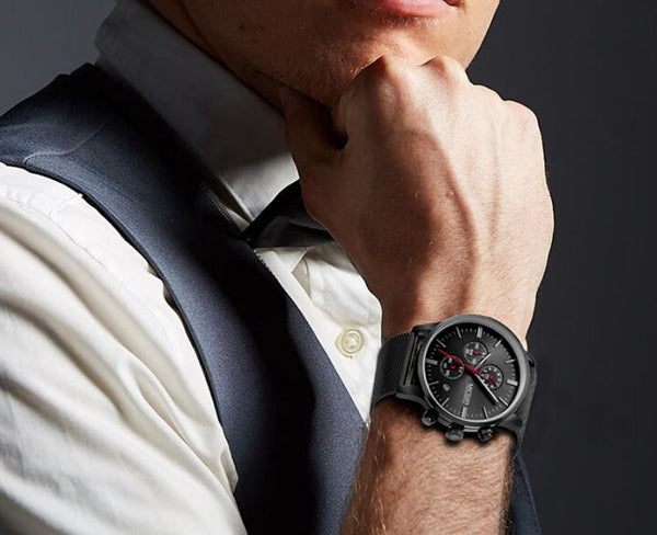 men wearing black color Veran Stainless Steel Quartz Watch on the wrist