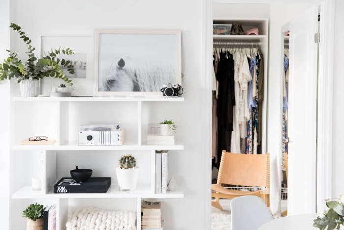 Even the Closet in This 800-Square-Foot Condo Is Minimalist