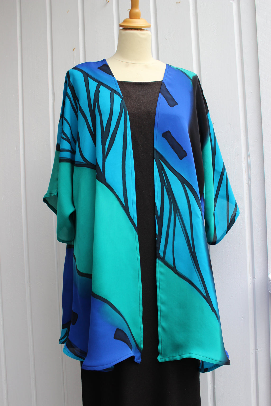 Hand painted silk jacket i 2374