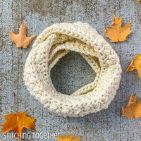 crochet infinity scarf made with chunky yarn