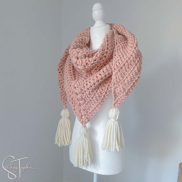chunky triangle scarf on mannequin