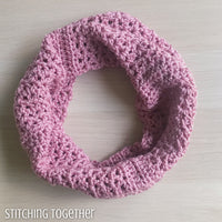 textured cowl crocheted