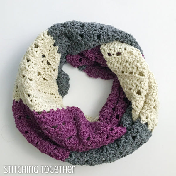 crochet infinity scarf with stripes