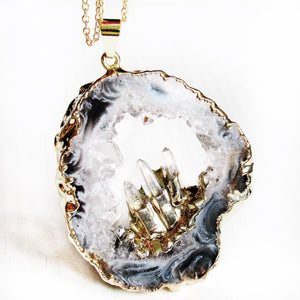 Quartz Geode Necklaces (Gold)
