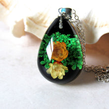 Load image into Gallery viewer, (On Sale!) Twin Floralls Real Flower Necklaces
