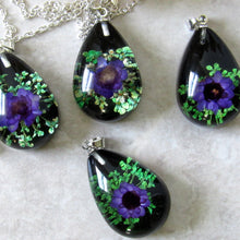 Load image into Gallery viewer, (On Sale!) Vivid Violets Real Flower Necklaces