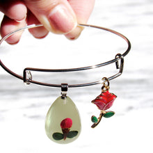 Load image into Gallery viewer, Real Roses Floral Bangle