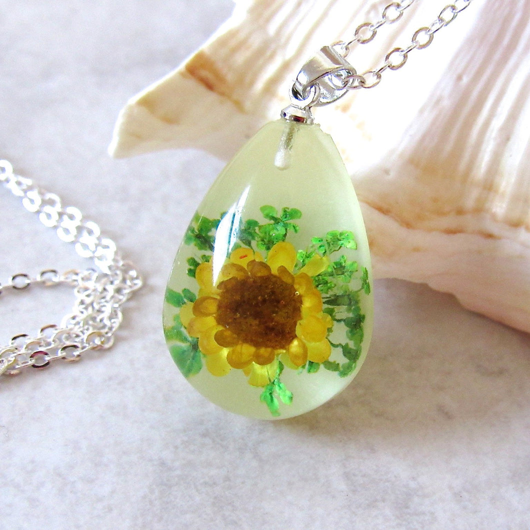 (On Sale!) Sunflower Real Flower Necklaces