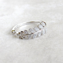 Load image into Gallery viewer, Sterling Silver Glistening Leaf Rings