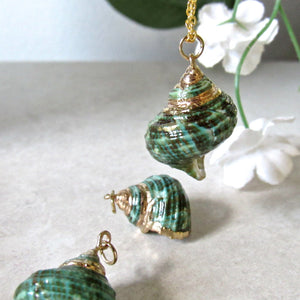 Green Conch Shells Necklaces
