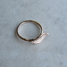 Load image into Gallery viewer, Rose Gold Leaf Ring
