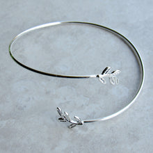 Load image into Gallery viewer, Overlapping Silver Leaf Stem Bracelet Cuff