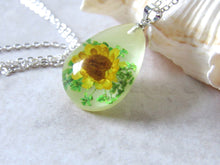 Load image into Gallery viewer, (On Sale!) Sunflower Real Flower Necklaces