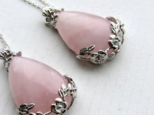 Load image into Gallery viewer, Blooming Rose Quartz Necklaces