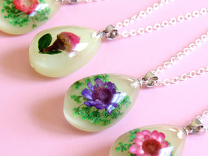 (On Sale!) Rose Bud Real Flower Necklaces