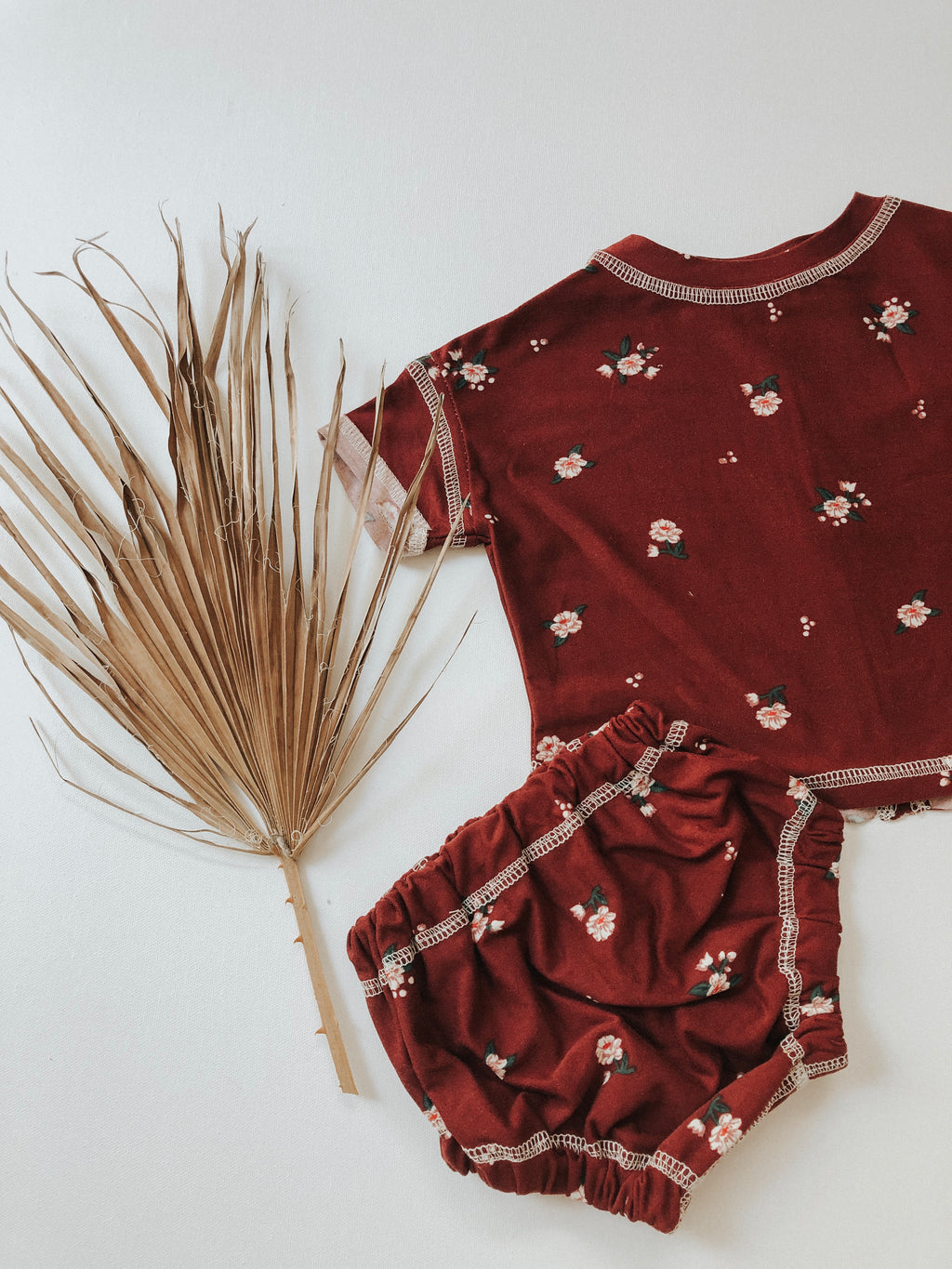 LOVE ME Burgundy Set