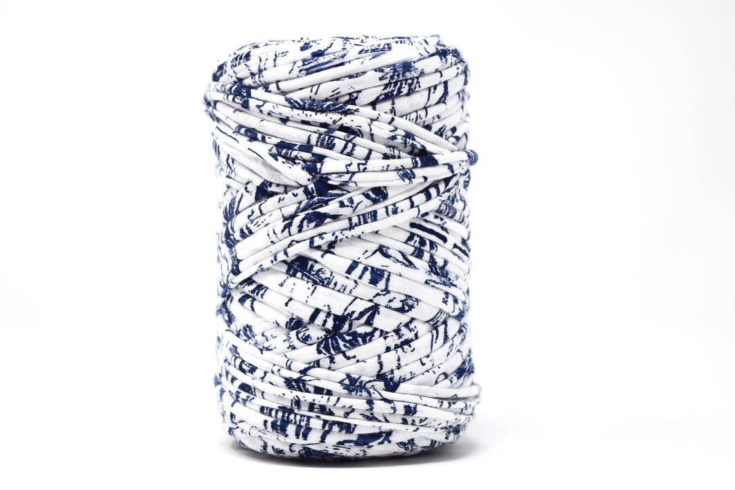 FABRIC YARN - VIOLET ( WHITE WITH NAVY BLUE PRINT)