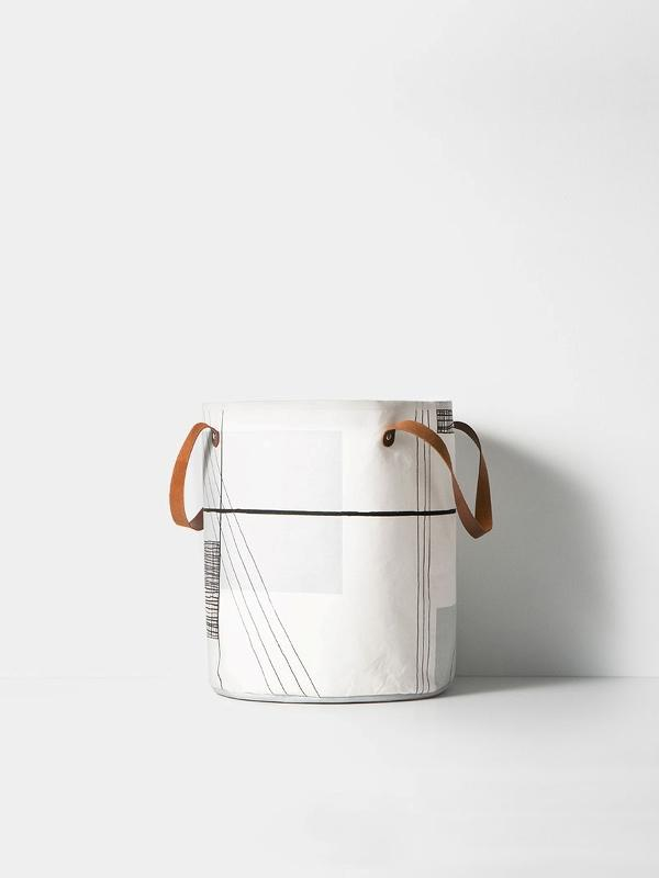 Trace basket with handles by ferm Living