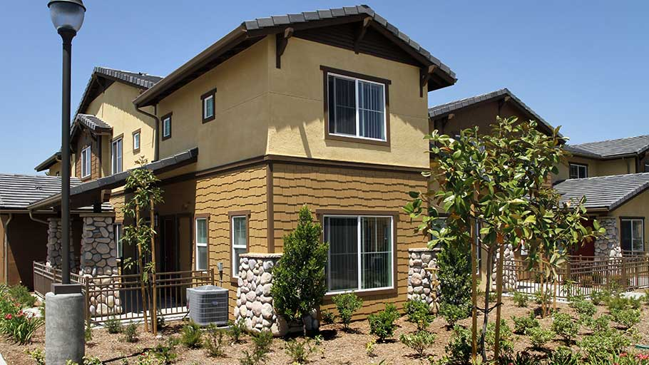 Jamboree's Ceres Way Fontana, CA affordable housing building exterior