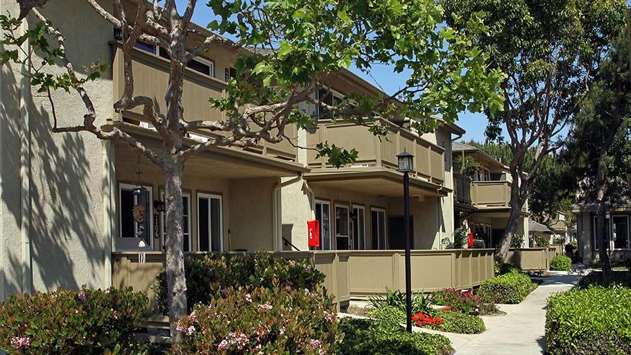 Jamboree's Emerald Cove Huntington Beach senior homes exterior