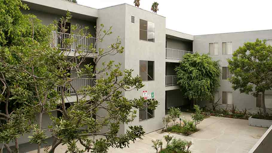 Jamboree's affordable St. Andrews Los Angeles garden-style courtyard